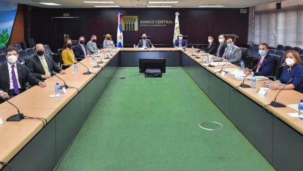 Valdez Albizu y nueva junta directiva del CONEP conversan sobre las perspectivas de la economía dominicana para 2021