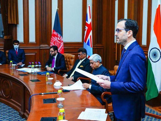 Embajador de la RD en la India, David Puig, presenta sus credenciales al Presidente de la India