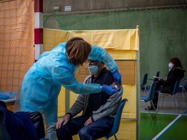 La OMS alerta del creciente contagio y advierte contra la relajación de medidas