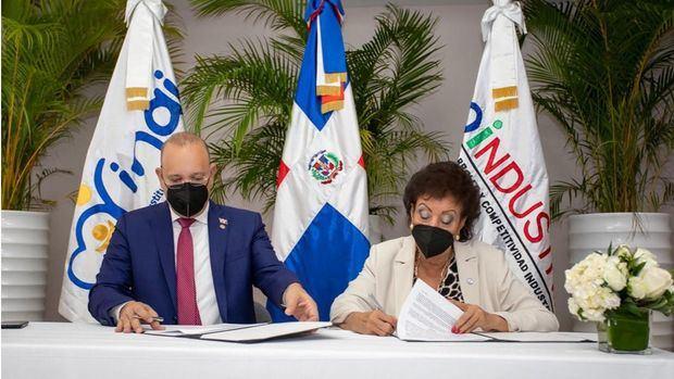 Ulises Rodríguez: Convenio entre Proindustria y el INAIPI beneficiará a hijos empleados de zonas francas.