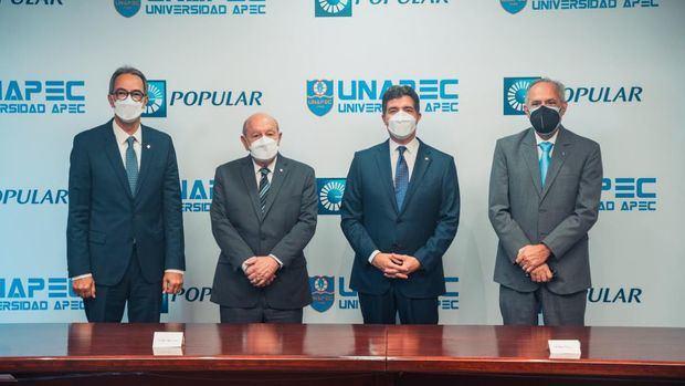 De izquierda a derecha, los señores José Mármol, Franklyn Holguín Haché, Christopher Paniagua y Carlos Sangiovanni.