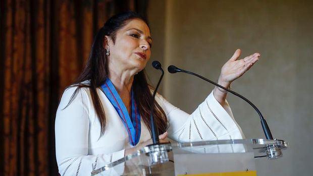 La cantante, compositora y actriz cubano-estadounidense, Gloria Estefan.
