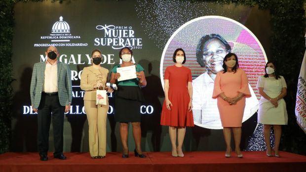 Gobierno reconoce trayectoria de trabajo de trece mujeres dominicanas.