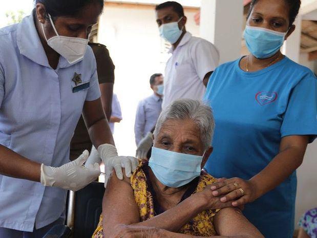 Vacunas Covid -19: La guerra es contra el virus, no entre nosotros, alerta la OMS