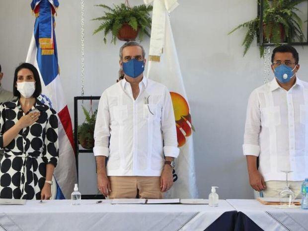 Jefe de Estado inaugura estaciones de bombeo en Puerto Plata