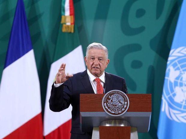 Presidente de México siente