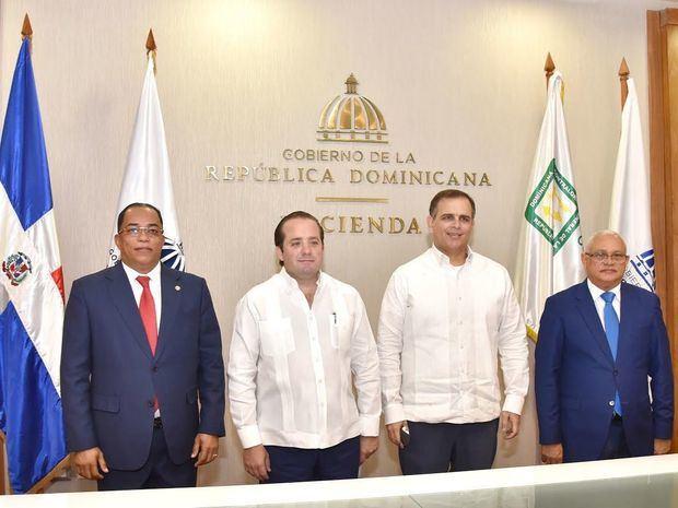 Juramentación del nuevo Contralor de la República y Tesorero Nacional