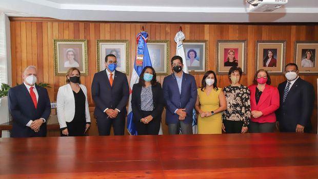"""CONANI firma acuerdo de cooperación interinstitucional con """"Sanar una Nación"""""""