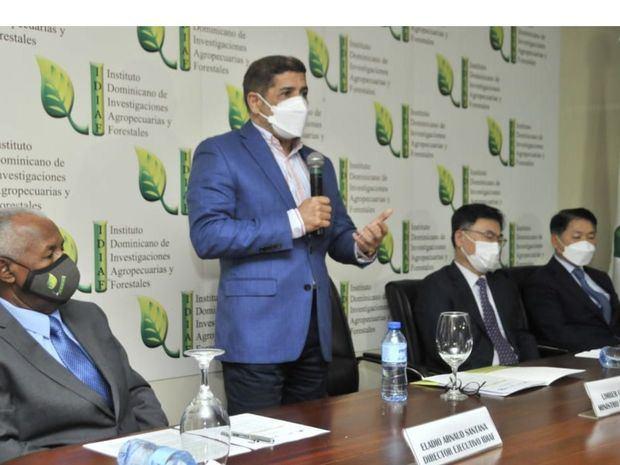 Realizarán proyectos para mejorar productividad y exportaciones de batata y pimiento.