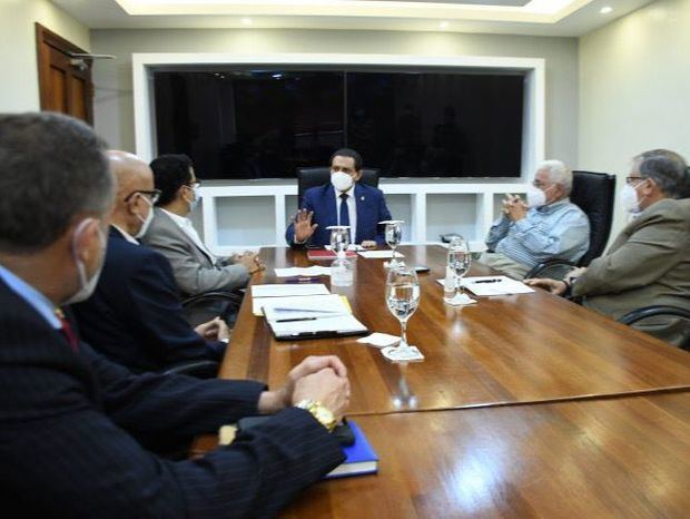 MSPMSP y ARAPF conversan sobre estrategias para impulsar avances del sector farmacéutico