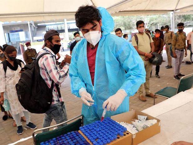 La India supera los 13 millones de casos de coronavirus con un nuevo máximo diario