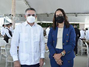 Pedro Brache y Lina García.