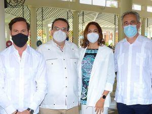 Hugo Perez, Ángel García, Josefina Pichardo y Fernando Castillo.