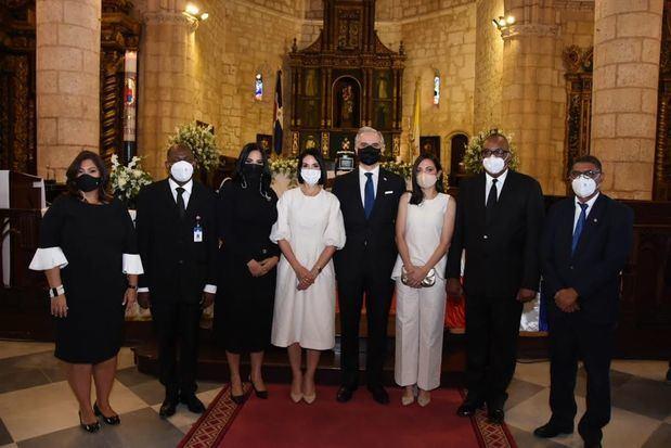 Miembros del Ministerio de trabajo e invitados en la eucaristía con motivo del 73 aniversario del Ministerio de Trabajo.