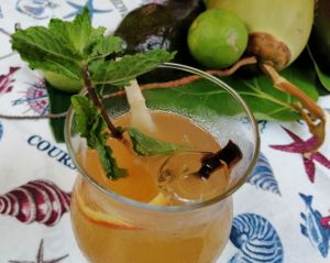 Bebidas sabores ancestrales en el concepto Slow Food, realizado por el chef Carlos Estevez.