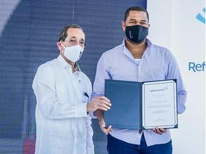 Ing. Néstor Rodríguez y Luca Rojas.