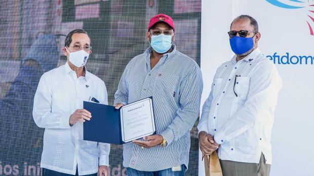 Ing. Néstor Rodriguez, Ing. Roger Javier y Felipe Meregildo.