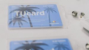 """Ministro de Turismo de la República Dominicana, hizo entrega a del certificado """"TuCard"""" a más de 60 empresas del sector turístico."""