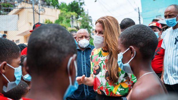 Carolina Mejía anuncia construcción de Ciudad Sanitaria.