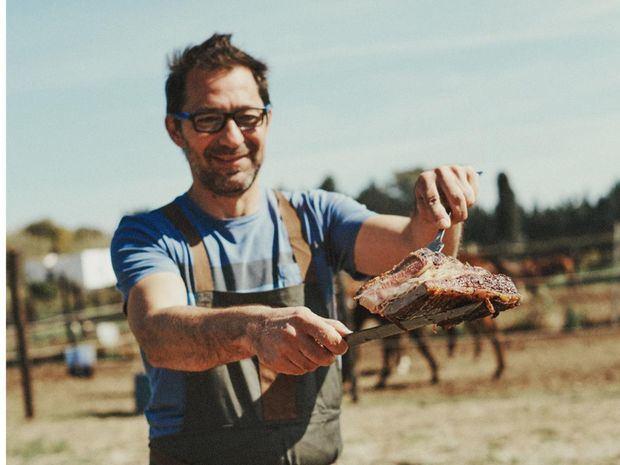 El argentino Mauricio Giovanini; alta cocina, parrilla y bocados latinos