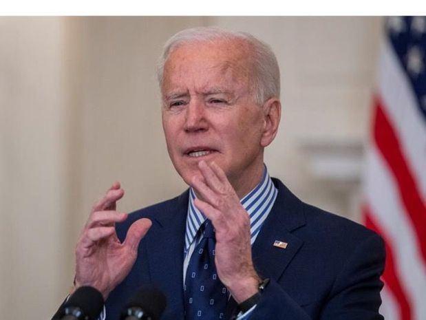 Biden llama a defender el derecho al voto ante restricciones estatales