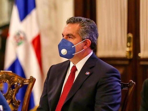 Neney Cabrera valora manejo de Gobierno a crisis por covid-19 y llama población a vacunarse