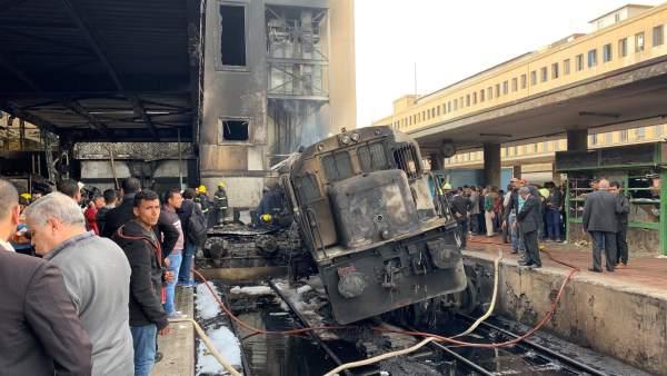 Al menos 20 muertos y 40 heridos en un accidente de tren en El Cairo