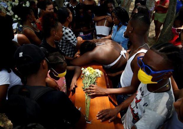El terror de las masacres vuelve a Colombia agazapado en la pandemia.