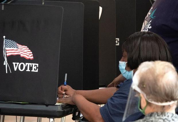 Vista de un centro de votación anticipada en Miami, Florida, EE.UU.