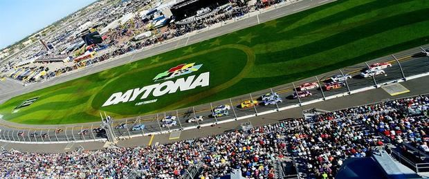 Serie NASCAR volverá en mayo con cuatro carreras en 11 días y sin aficionados