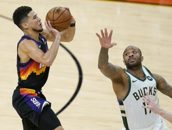 Suns toma ventaja 2-0 ante los Bucks en la final de la NBA
