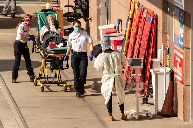 Estados Unidos alcanza 455.555 muertos por la covid-19 y 26.671.333 casos