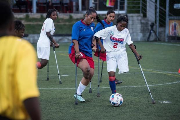 Futbolistas amputados de Haití y República Dominicana conmemoran terremoto