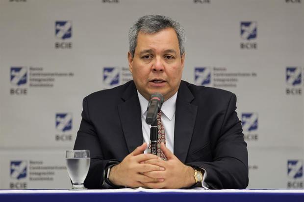 BCIE firma memorando de entendimiento con el Fondo Latinoamericano de Reserva