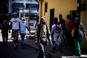 Venezuela inició este lunes una nueva semana de flexibilización de la cuarentena que se implementa cada siete días, con el objetivo de darle dinamismo a la golpeada economía.