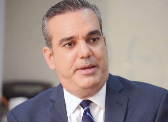Abinader afirma realiza esfuerzos ayudar dominicanos en San Martín
