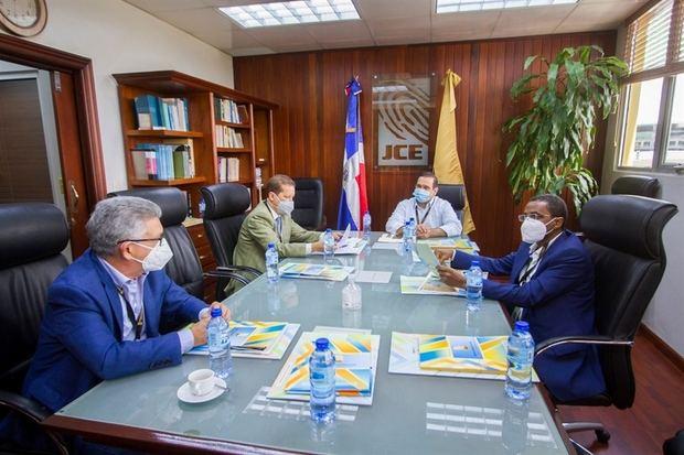 JCE sostiene reunión con veedores designados sobre elecciones del 5 de julio 2020