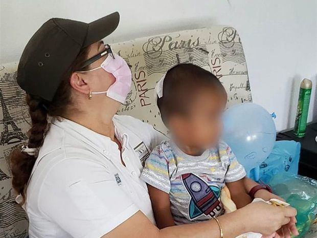 Hallan a bebe cerca de camión que trasladaba a más de 100 migrantes en México