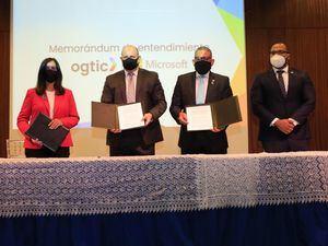 OGTIC y MICROSOFT firman memorándum de cooperación mutua.