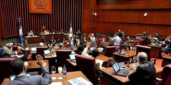 Diputados aprueban Código Penal que permite el aborto en un caso