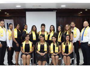 Moscoso Puello entrega al país 44 especialistas.