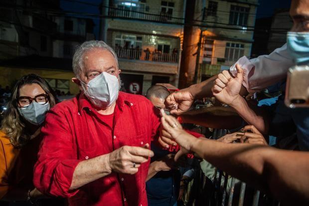Lula ganaría la presidencia de Brasil en la primera vuelta, según un nuevo sondeo