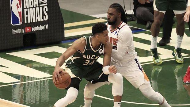 Los Bucks acortan distancia ante los Suns en Finales de NBA