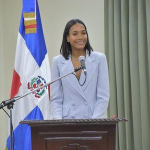 """""""Me honra y llena de orgullo ser la primera modelo dominicana que recibe este reconocimiento"""", manifestó con alegría la destaca modelo."""