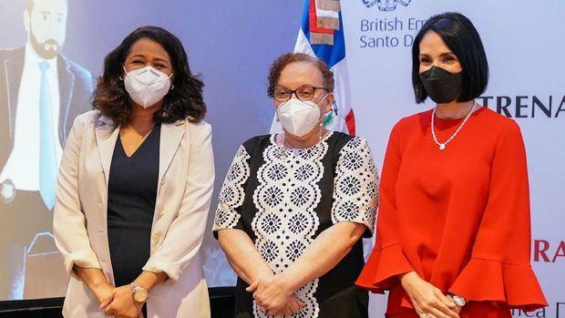 Paula Disla, Miriam Germán y Raquel Arbaje.