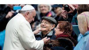 El Papa agradece alianza entre generaciones en la primera Jornada Mundial de los abuelos.
