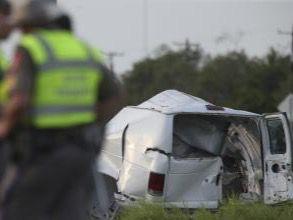 Al menos diez muertos en un accidente de una furgoneta de inmigrantes en Texas