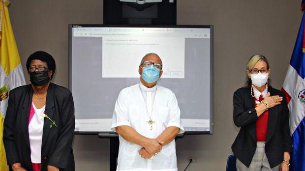 """Dan apertura al diplomado en """"Formación Integral Humana y Religiosa"""""""