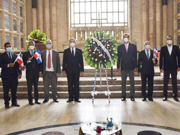 Duartianos denuncian campaña descredito y reiteran solicitud sacar restos de Santana del Panteón Nacional