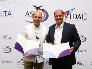 Román E. Caamaño, director general IDAC y José Ricardo Botelho, director ejecutivo y CEO de ALTA.